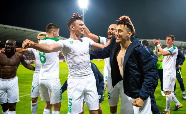 Se bodo nogometaši Olimpije že danes veselili naslova prvaka? FOTO: Tadej Regent/Delo