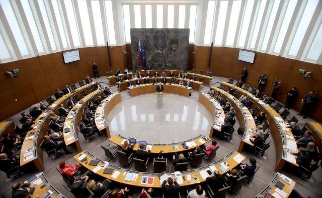 V državnem zboru je današnjo razpravo močno zaznamovala predvolilna vročica FOTO: Blaž Samec