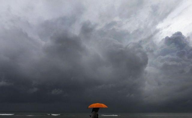 Spremenljivo vreme nas čaka tudi v naslednjih dneh. FOTO: Dinuka Liyanawatte/Reuters