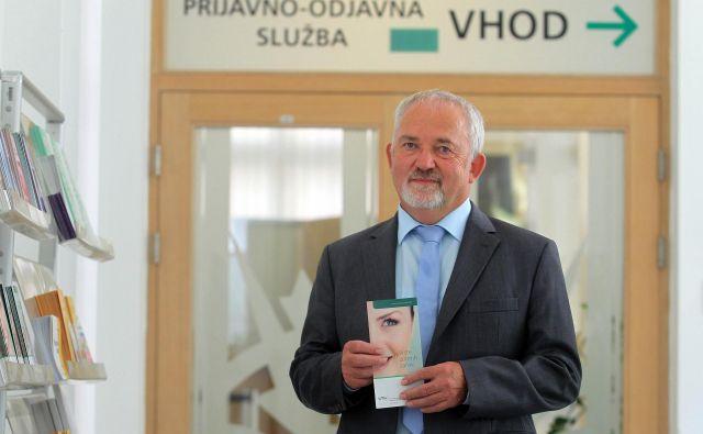 Marjan Sušelj, generalni direktor ZZZS, opozarja, da je treba odlok o povečani porabi sprejeti čim prej, da se ne bi zgodilo, da bo na računu ZZZS denar, bolniki pa bodo čakali. FOTO: Blaž Samec/Delo