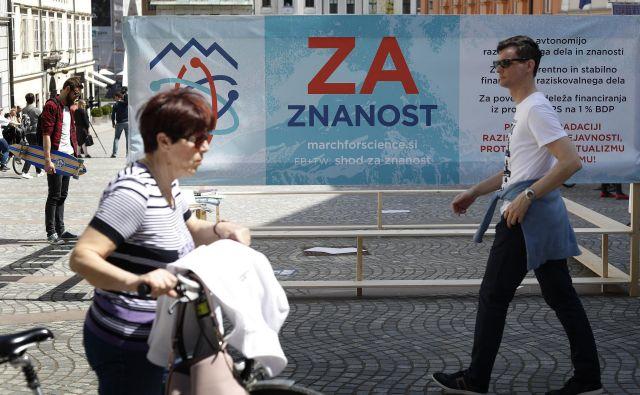 Slovenski znanstveniki in raziskovalci so se v zadnjem letu zbrali na dveh shodih, s katerima so opozarjali na mačehovski odnos politike do tega za razvoj ključnega področja. FOTO: Leon Vidic