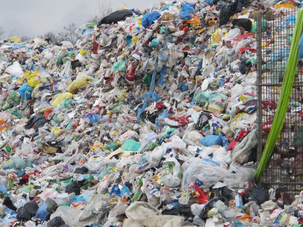 Sistem ravnanja z odpadki se je sesul
