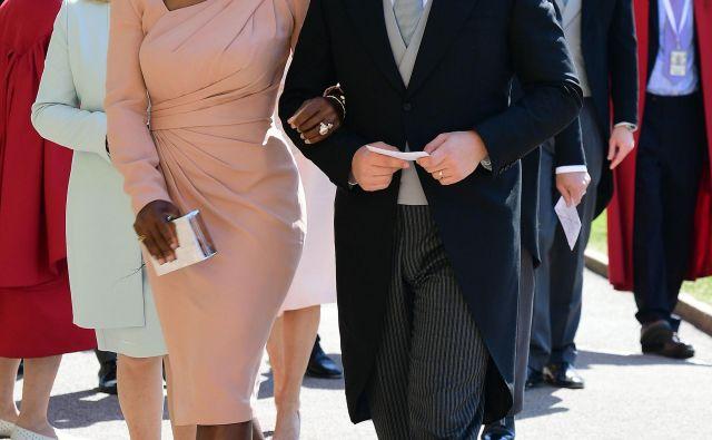 Med pripravami na Roland Garros je Serena Williams z možem Alexisom Ohanianom za kratek čas skočila na Otok in se udeležila kraljevske poroke.<br /> Foto AFP