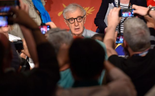 Režiser Woody Allen se mora zagovarjati proti spolnemu nadlegovanju svojih otrok. FOTO: Loic Venance/Afp