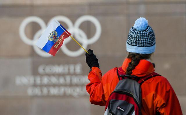 Zaradi dopinškega suspenza so ruski športniki v Pjongčangu tekmovali brez nacionalnih simbolov. Foto Jean-Christophe Bott/AP