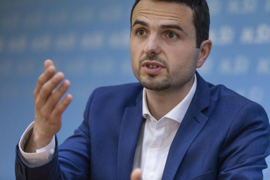 FOTO:»Zdi se, da Janez Janša ne bo mogel sestaviti vlade« (VIDEO)