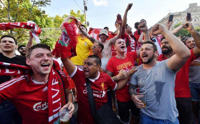 Navijači Liverpoola imajo v Kijevu občutno premoč. Jo bodo imeli tudi na igrišču? FOTO: Sergei Supinsky/Afp