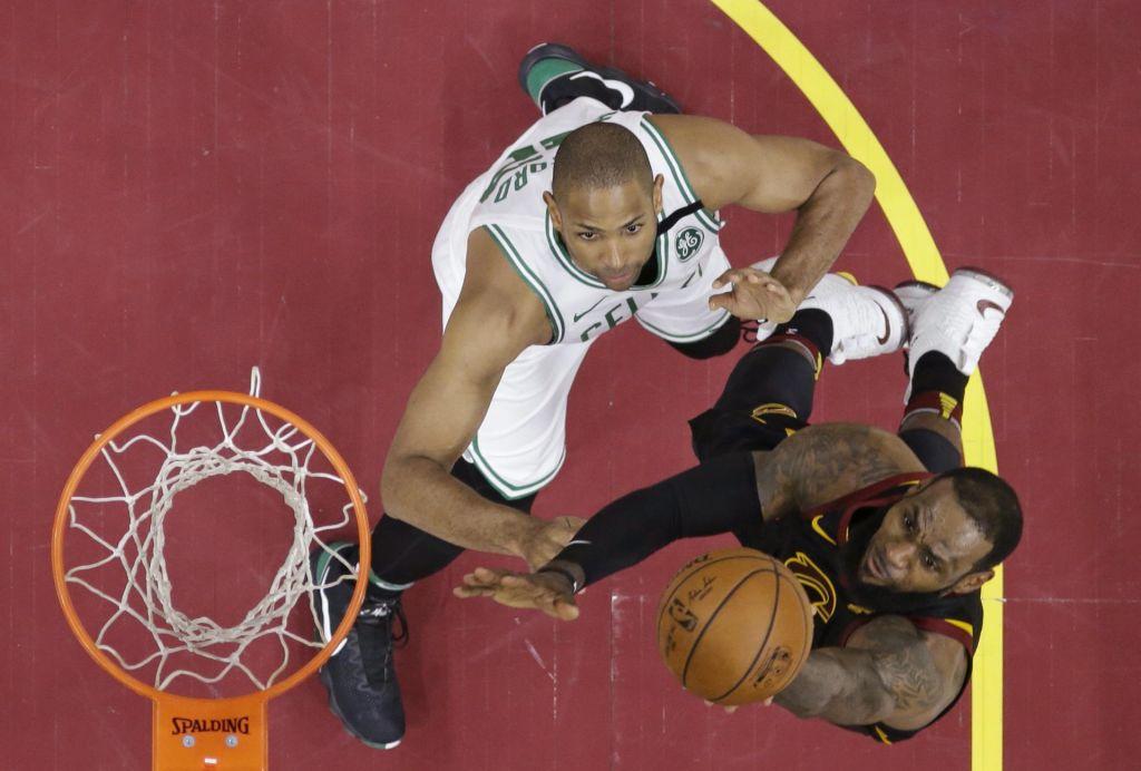 FOTO:NBA: Konjeniki izsilili podaljšek, LeBron blizu trojnega dvojčka (VIDEO)