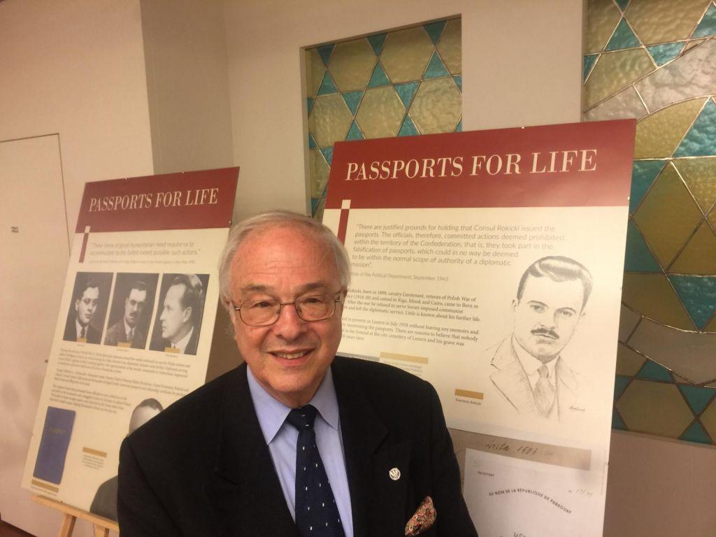 Ponarejeni potni listi za življenja