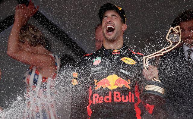 Daniel Ricciardo je vknjižil bržkone največjo zmago kariere. FOTO: Benoit Tessier/Reuters