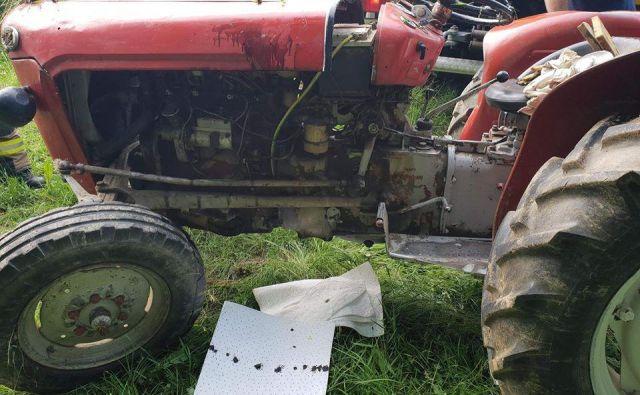 Za posledicami nesreče, ki se je danes pripetila na območju Gornje Radgone, je umrl 65-letni traktorist. FOTO: Pgd Gornja Radgona