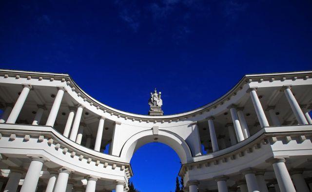 Pokopališče Žale je zaradi svoje izjemne kulturno-zgodovinske in umetniške vrednosti eno najlepših evropskih pokopališč. FOTO: Blaž Samec/Delo