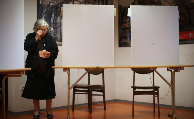 Bolni, ki na volilni dan ne zmorejo do volišča, lahko glas oddajo na svojem domačem naslovu.