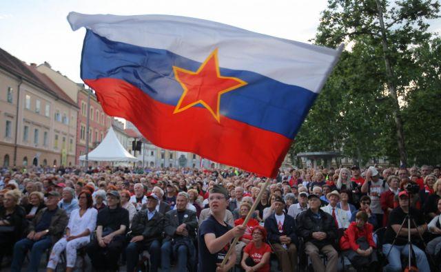 Politični strahovi in njihovo vzbujanje torej niso značilni samo za Slovenijo, ampak tudi za Evropsko unijo, ki naj bi jo sprejemali kot manjše zlo, ker nas je strah alternativ. FOTO: Jože Suhadolnik/Delo