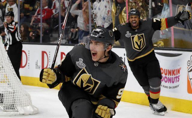 Tomaš Nosek se je na uvodni tekmi finala NHL odrezal z dvema goloma. Foto AP