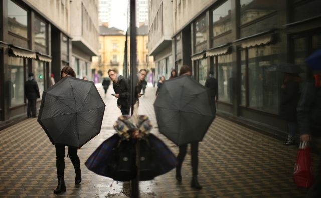 Za bodisi slabo bodisi solidno volilno udeležbo bomo tako težko krivili vreme. FOTO: Jure Eržen/Delo