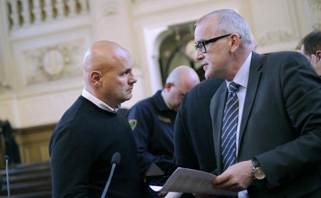 Dragana Tošića je okrožno sodišče poslalo v hišni pripor, višje soidšče pa je zanj odrdilo pripor.