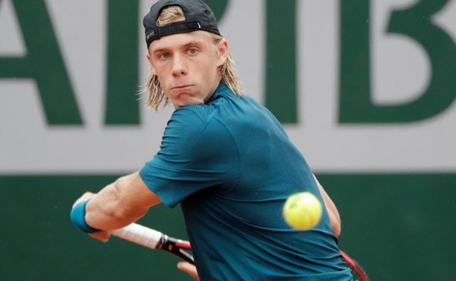 Denis Šapovalov je bil ob prvem nastopu na Roland Garrosu že nosilec, a tega statusa ni upravičil. FOTO: AFP