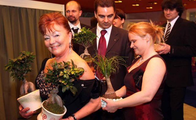 Odvetnica na plesu lionsov 2011. FOTO: Igor Mali