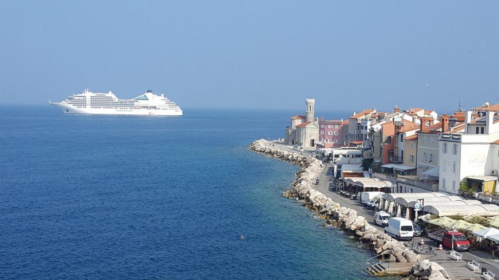 FOTO:Luksuzne potniške ladje napovedujejodobrosezono