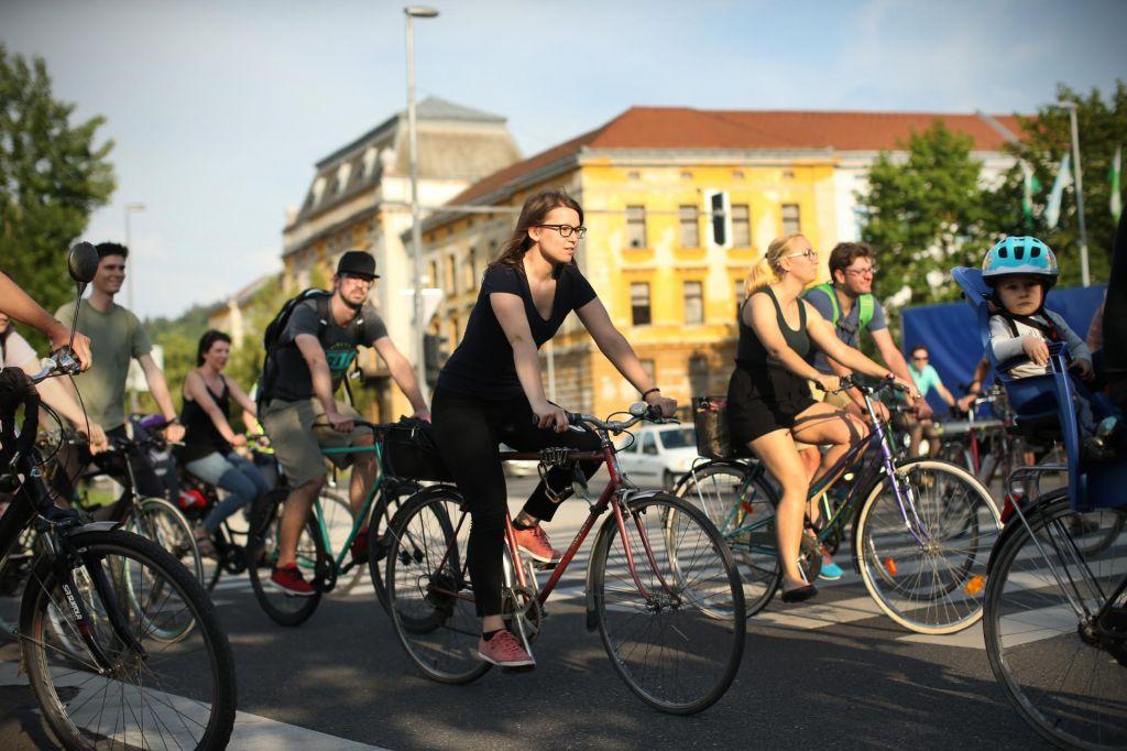 FOTO:Počasno odstranjevanje pasti za kolesarje