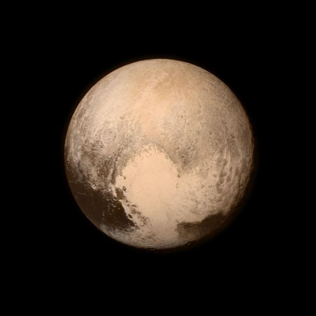 Pluton preseneča: na površju obstajajo sipine metana