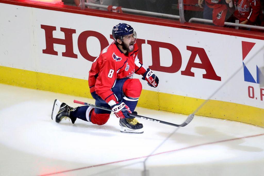 FOTO:NHL: Washingtonova Rusa pokvarila Vegasov jubilej (VIDEO)