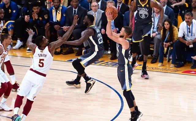Steph Curry je zagorel, ostali so lahko le spremljali njegov šov.