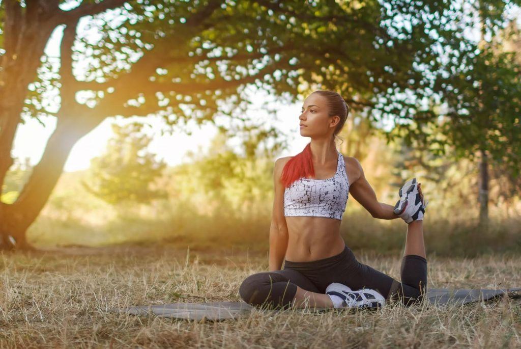 FOTO:Kako sta povezani joga in narava?