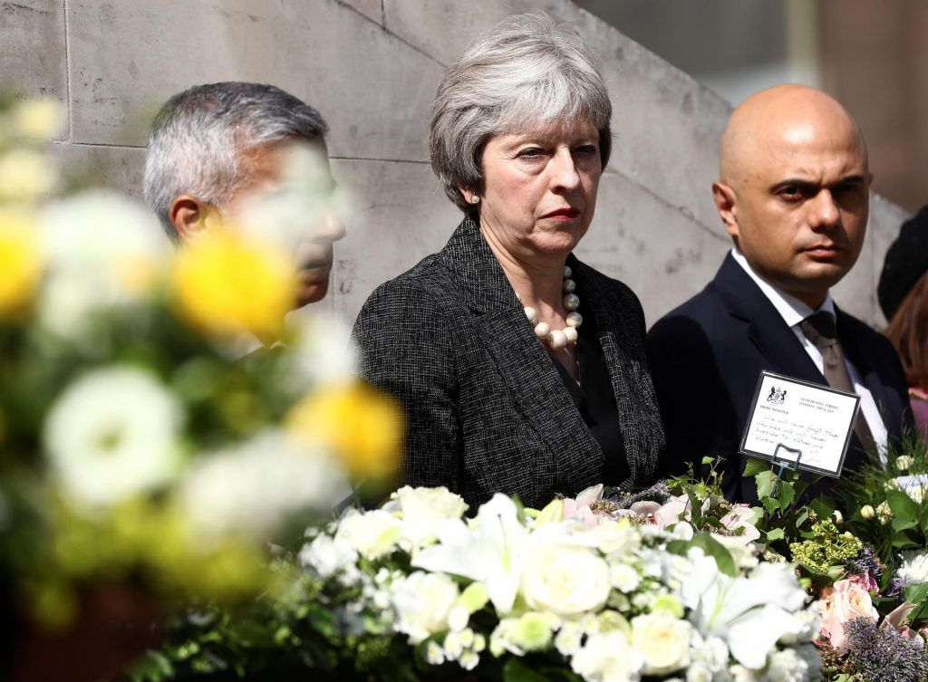 Britanska vlada načrte počasi prilagaja realnosti
