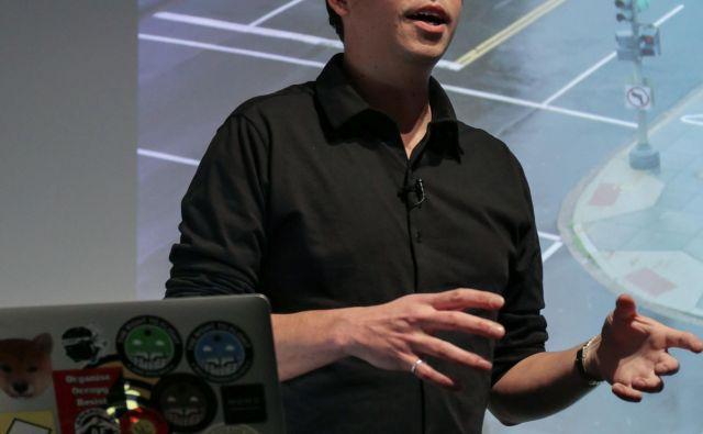 James Bridle razmišlja o nacionalnosti v kontekstu digitalnih tehnologij. FOTO: Arhiv Aksiome