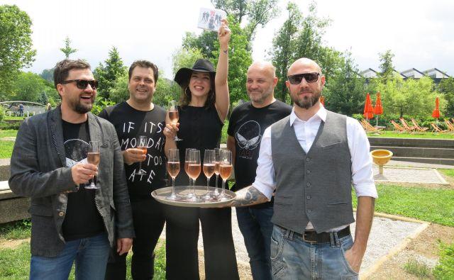 Tabu zdaj sestavljajo Eva Beus (vokal), Tomaž Trop (kitara), Primož Štorman (bobni), Iztok Melanšek (bas kitara) in Aleš Beriša (klaviature).Foto Zdenko Matoz