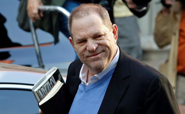 66-letni Weinstein se je pred tednom dni predal newyorški policiji in so ga do konca sojenja izpustili po plačilu milijona dolarjev varščine. FOTO: Reuters