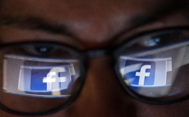 Facebook in afera z osebnimi podatki. Foto Blaž Samec