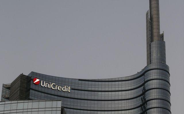 Na sedežu italijanske bančne skupine Unicredit so nam na vprašanje glede združitve s Societe Generali odgovorili, da nikoli ne komentirajo govoric in špekulacij. FOTO: Blaž Samec