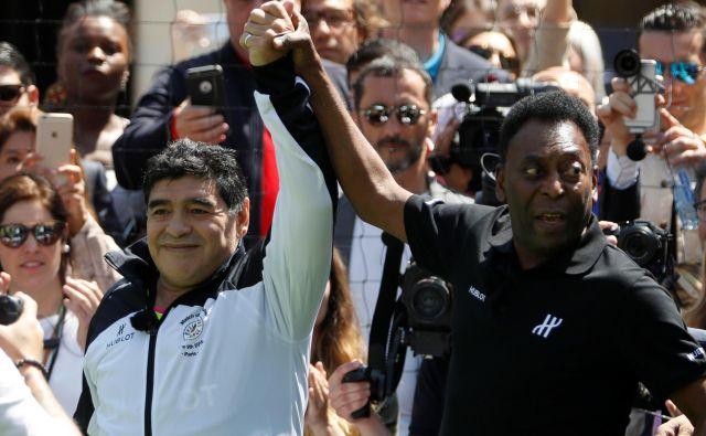 Najboljša nogometaša minulega stoletja - Maradona in Pele.