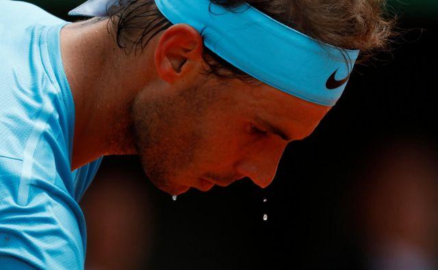 Rafael Nadal odločno koraka proti enajsti pariški lovoriki. Foto Charles Platiau/Reuters
