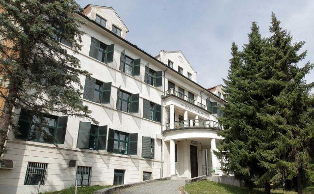 Splošna bolnišnica Trbovlje je prva v državi, ki jo bodo energetsko sanirali s pomočjo kohezijskih sredstev, in prva pod drobnogledom. FOTO: Ljubo Vukelič