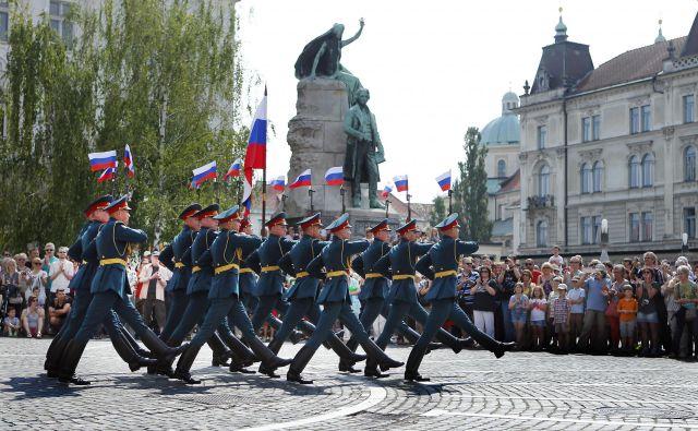 Nastop ruskih gardistov v Ljubljani leta 2014. FOTO Ale�Š Černivec