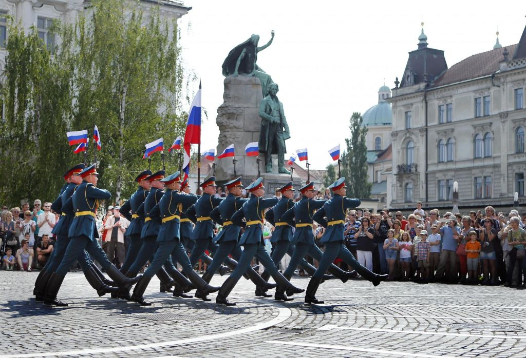 Slovenci ne marajo ZDA, prednost dajejo Rusiji