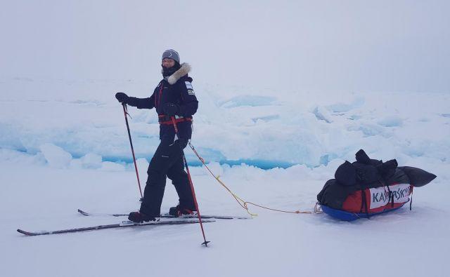Ekstremno sankanje. FOTO: Evro-arabska odprava na severni pol