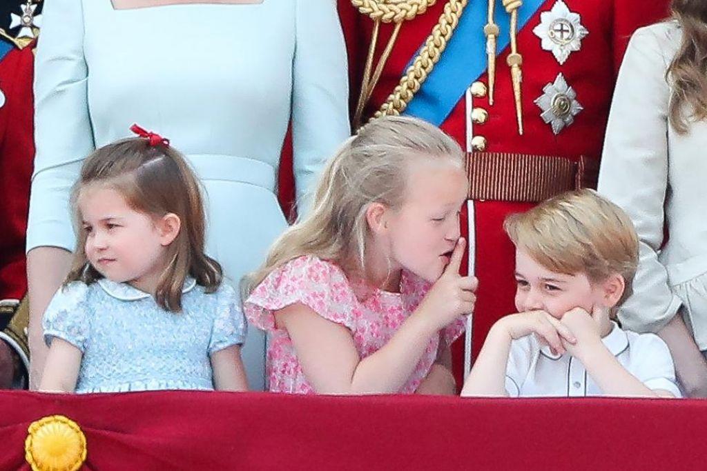 FOTO:Navihani otroci zasenčili kraljico (FOTO in VIDEO)