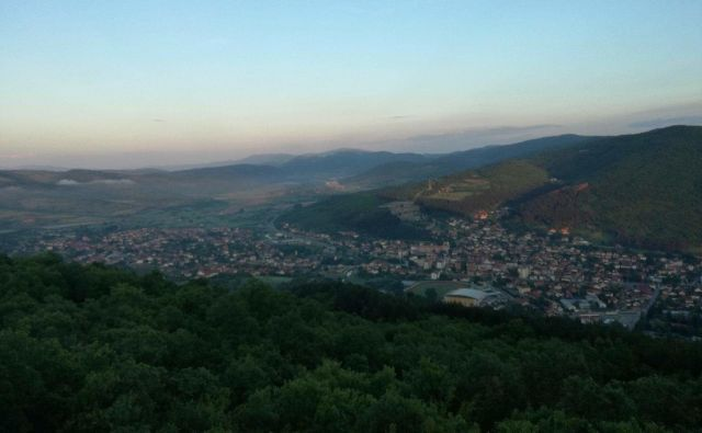 Dimitrovgrad, mesto na jugovzhodu Srbije, vrata s hribovitega Balkana v Evropsko unijo. Foto Milena Zupanič