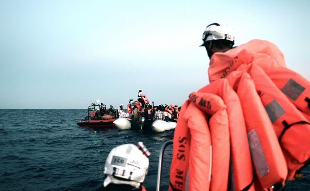 Španija bo sprejela ladjo, je danes sporočila nova španska socialistična vlada Pedra Sancheza. FOTO: Reuters
