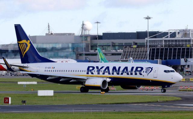 Med 13 najslabše ocenjenimi letalskimi družbami je kar šest evropskih, tudi med Slovenci priljubljen nizkocenovnik Ryanair. FOTO: Paul Faith/AFP