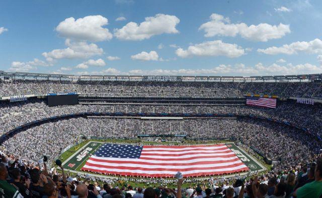Super sodobni štadion MetLife v New Jerseyju bi gostil finalno tekmo svetovnega prvenstva v nogometu leta 2026.