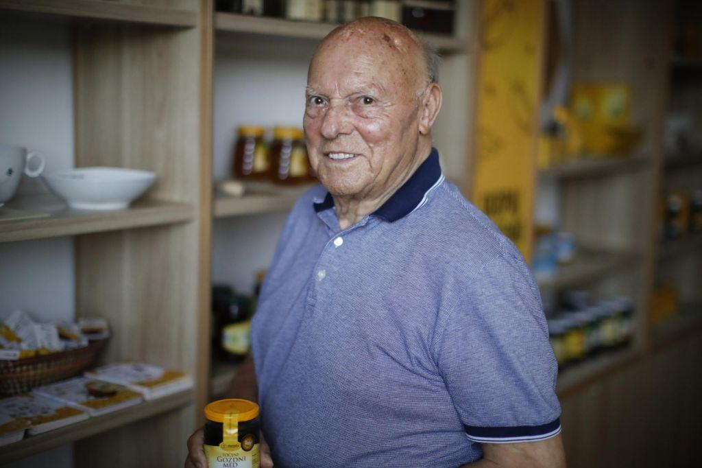 S 65 leti delovne dobe je najstarejši še zaposleni Slovenec