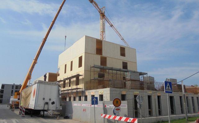 Gradnja soseske Polje IV poteka po načrtih. FOTO: Janez Petkovšek