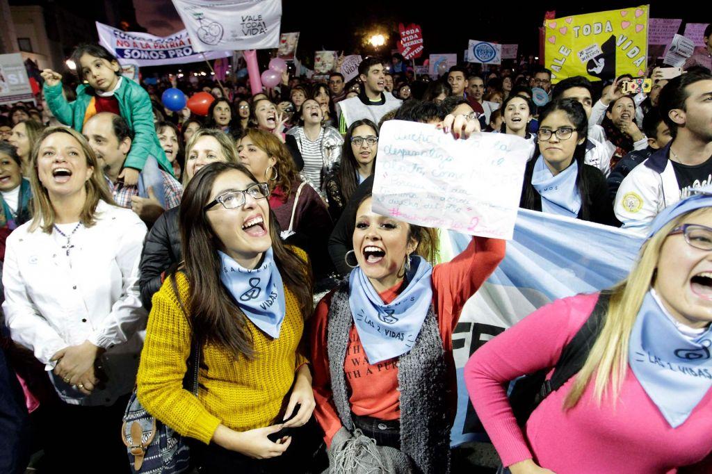 Argentinski parlament danes razpravlja o dekriminalizaciji splava