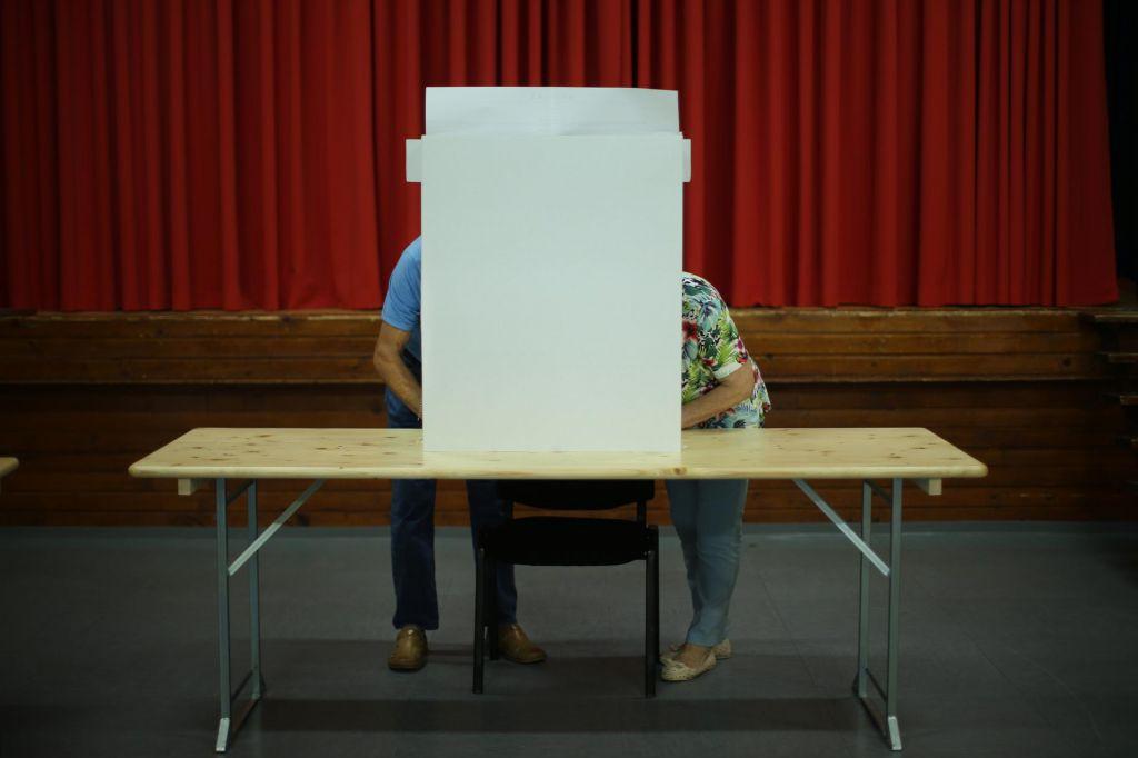 Volitve za prazen nič